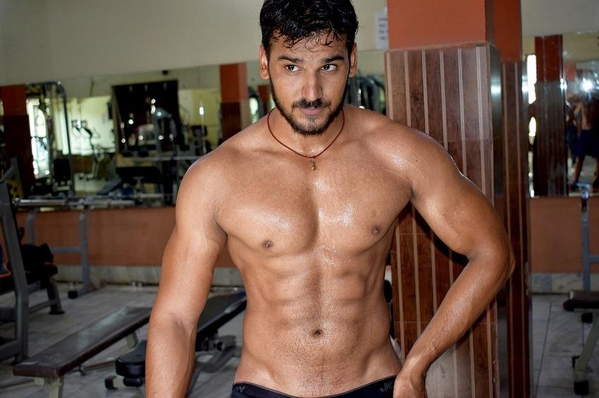 Marcación abdominal en hombres